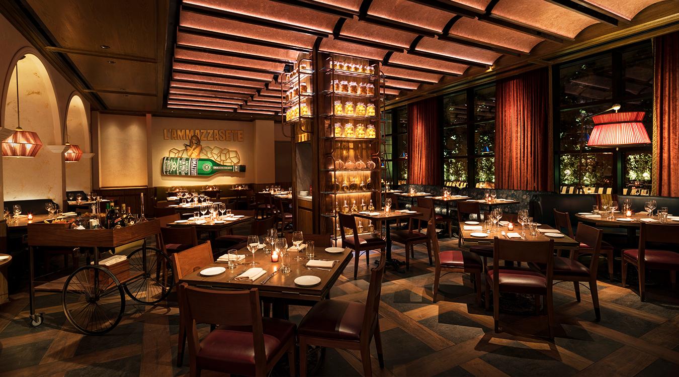 MC Feroce Ristorante (wide dining room)