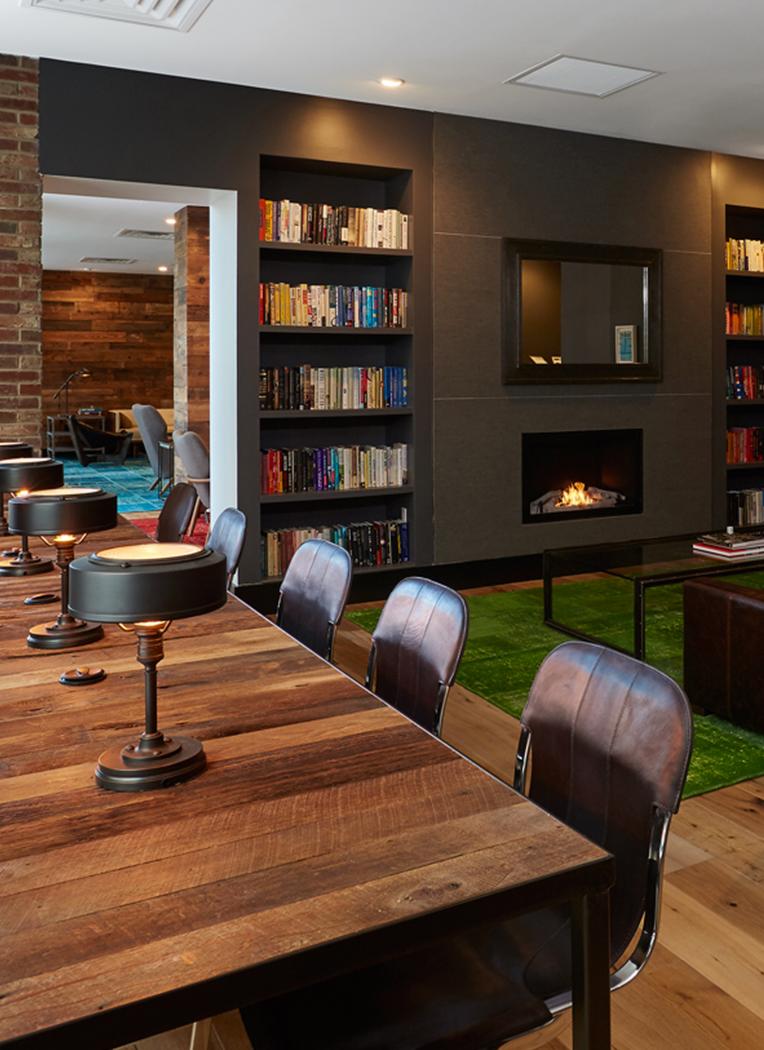 365bond lounge